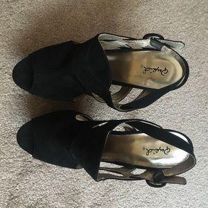 Qupid Shoes - Black heels